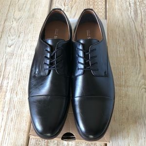Men's Dress Shoe BRAND NEW Oxford style